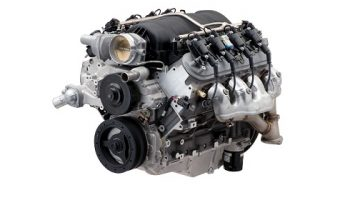 Chevrolet Performance's LS427/570 crate engine is based on the LS7 and uses a unique camshaft to help produce 570 hp. Photo depicts a production LS7 engine. The LS427/570 assembly includes an F-body wet-sump oil pan and Z/28 exhaust manifolds.