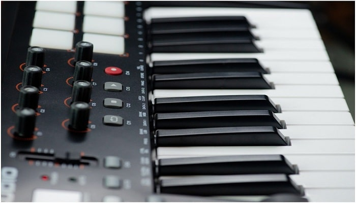 How to Choose a Midi Controller