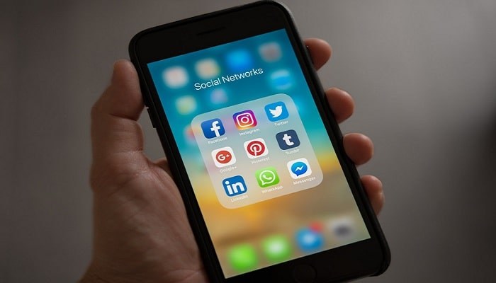 Which markets have been completely enveloped by mobile apps in 2020?
