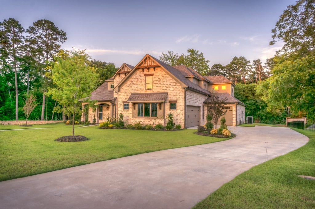 10 Reasons To Buy Real Estate Overseas