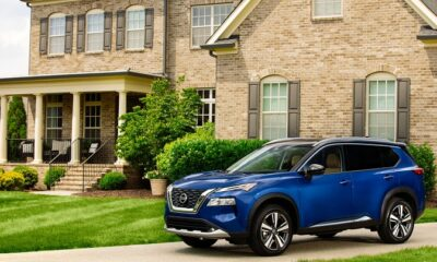2021 Nissan Rogue_Blue-27-source-1200x823
